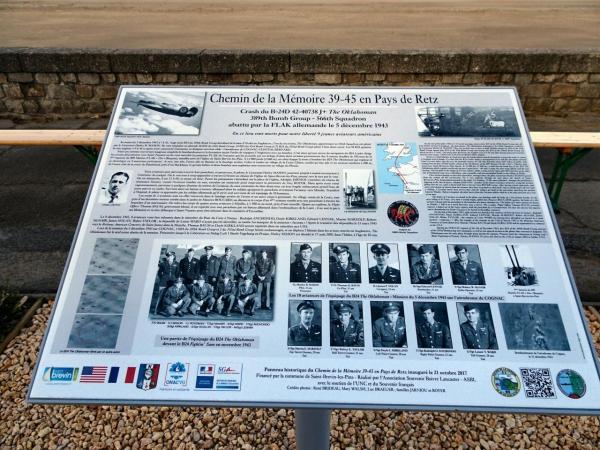 004_DSC01550_R - Panneau Historique